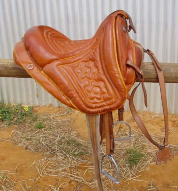 Gearcollect_maremma_saddle_3a